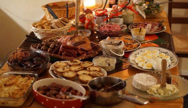 Wakacyjna dieta z głową – czyli jak przetrwać na wakacjach All Inclusive